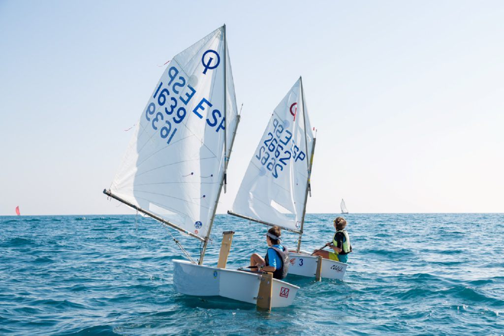 Vela ligera Optimist Club nautic Salou
